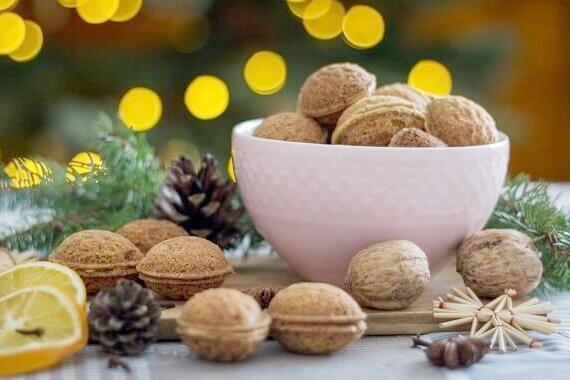 Kačka z domečku a Plněné ořechy podle její babičky