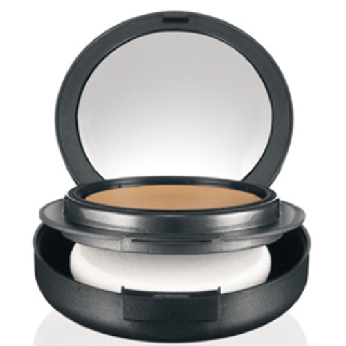 MAC Kompaktní make-up Studio Tech (Foundation) 10 g NW23