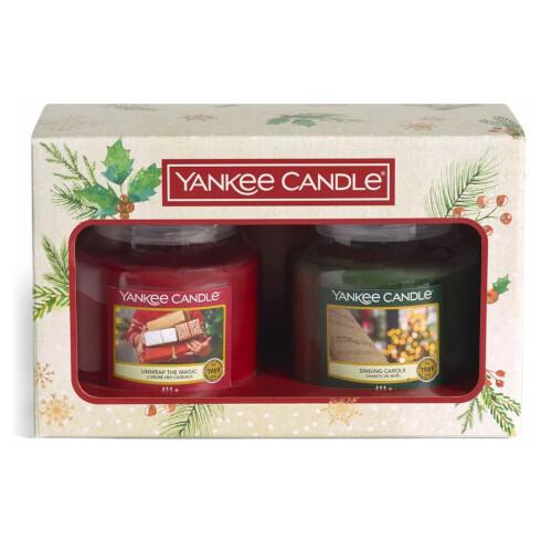 Yankee Candle Vánoční sada střední svíčky Classic Singing Carols & Unwrap The Magic 2 x 411 g