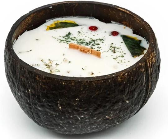 Zobrazit detail výrobku Tropikalia Svíčka v kokosu - vůně Citrón & máta