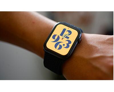 Watch Series Nike SE 44mm vesmírně šedý hliník s antracitovým / černým sportovním řemínkem