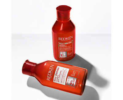 Uhlazující šampon pro nepoddajné a krepatějící se vlasy Frizz Dismiss (Shampoo)
