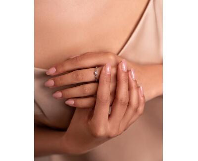 Krásný stříbrný prsten se zirkony SR035W