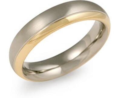 Pozlátený titánový snubný prsteň 0130-08