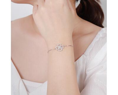 Módní stříbrný náramek se čtyřlístkem B0000442