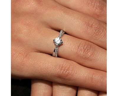 Stříbrný zásnubní prsten SHZR302