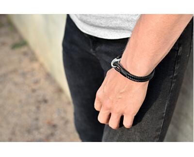 Čierny kožený náramok s karabínou