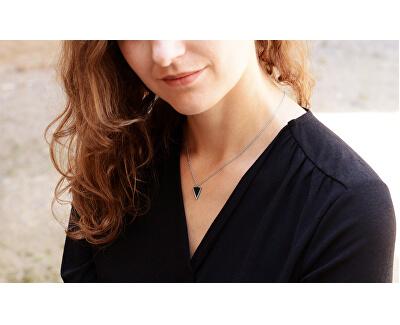 Oceľový náhrdelník s trojuholníkovým príveskom