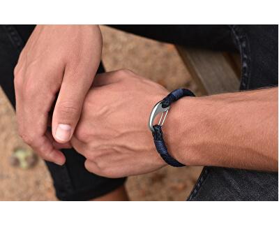 Tmavo modrý kožený náramok s karabínou