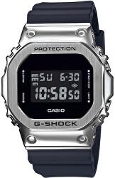 The G/G-SHOCK GM-5600-1ER (322)