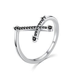 Bámulatos ezüst gyűrű fekete kereszttel R00019